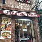 Three Partners Cafe & Restaurant resmi