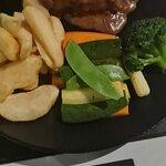 Φωτογραφία: Hobo's Steak House (Not Hobo Cafe)