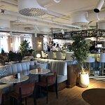 Restaurangen och baren