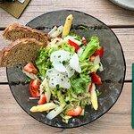 Super leckerer Salat vor dem Hauptgang