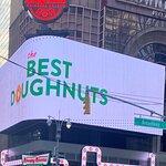 صورة فوتوغرافية لـ Krispy Kreme Doughnuts