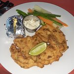 Breaded fish fillet with potato, steamed veggies and tartar sauce