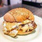 經典芝蛋牛肉漢堡