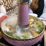 蘭陵公主——胡椒酸菜魚鍋($298)