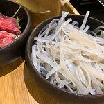 食酸菜魚加配薯粉($22)就perfect match啦!