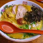 打豬骨湯底,非常濃稠竭身,比一蘭個種再竭,香港既豬骨湯黎講應該係最濃,鍾意濃湯底或者重口味就會非常鍾意食。