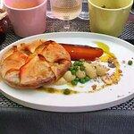 Pastilla croustillante de poulet aux amandes douces