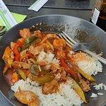 Wieprzowina słodko kwaśna z ryżem jaśminowym, cena za danie 34 zł, najedzona do syta