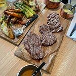Bilde fra FireLake Grill House