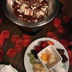 fondue premium, na foto o de kinder bueno. As frutas tem reposição, assim como o chocolate ;)