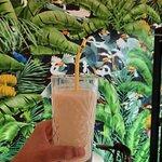Batido helado de Coco y Fruta de la Pasión con leche vegetal.