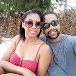 Fue una foto que tome junto a mi amada que quiero mucho frente a la hermosa playa de RD.