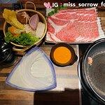 壽喜燒配250g日本A4黑毛和牛,野菜豆腐盤