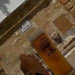 """Cervecita """"potable"""" (terraza junto a la fuente)"""