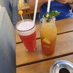 Cocktail Hofnarr und Durstlöscher Eistee Obstsalat-Minze