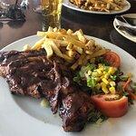 Bilde fra Friends Lounge Bar & Restaurant