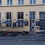 Restaurant Madkonsulatet i Mejlgade. Manden på billedet var én af 3 tjenere.