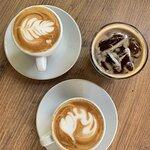 Pino's Coffee & Cakes resmi