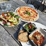 Veg FTW! Pizza, humms sallad med grönkål och Gotlands Lins samt Melanzane alla Parmigiano