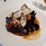 3 jumbo shrimp, 4 scallop, claims and lots of mussel