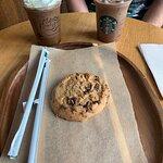 صورة فوتوغرافية لـ Starbucks Avda Constitucion 11