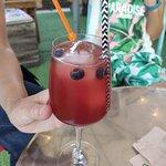 Berrys Spritz con frambuesa, cava y soda