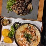 Caldillo de congrio nerudiano ($14.900) Reducción de caldo de pescado, con vegetales y medallone