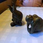 skønne bronze figurer som viser de øvelser man bør gøre dagen efter sådan en dejlig middag 😜
