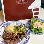 ภาพถ่ายของ Neil's Tavern Restaurant & Bake Shoppe