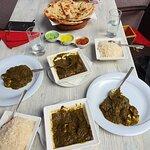 Palak Paneer mit Basmatireis und Garlic Naan