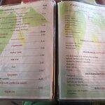 El menú del día te lo dicen de palabra y hay varios platos para elegir