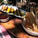 Anchoas 00 con tomate rallado y pan de cristal