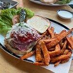 صورة فوتوغرافية لـ Black Tap Craft Burgers & Shakes - JBR