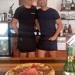 Pizza & a...More Foto
