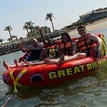 صورة فوتوغرافية لـ Palm Court at Hilton Kuwait Resort