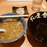 スープ割りも美味しいです。コクのあるつけ汁を最後まで頂けます