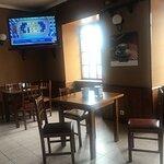 El bar tiene sus mesas