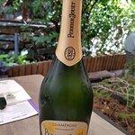 Un Champagne de nivel, aunque la comida no estaba a la altura. Sin duda, la bebida fue lo mejor
