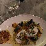 صورة فوتوغرافية لـ Gees Restaurant & Bar