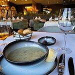 Adella Seafood Restaurant resmi
