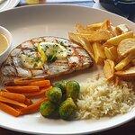 Φωτογραφία: Flames Restaurant and Bar