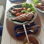 Bawang Merah Beachfront Restaurant照片