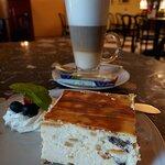 Latte & Cheesecake at Cafe Zamek - Warsaw (28/Sept/21).
