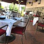 The outdoor patio at Fenicci's