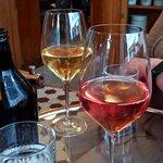 Hyvä viinivalikoima