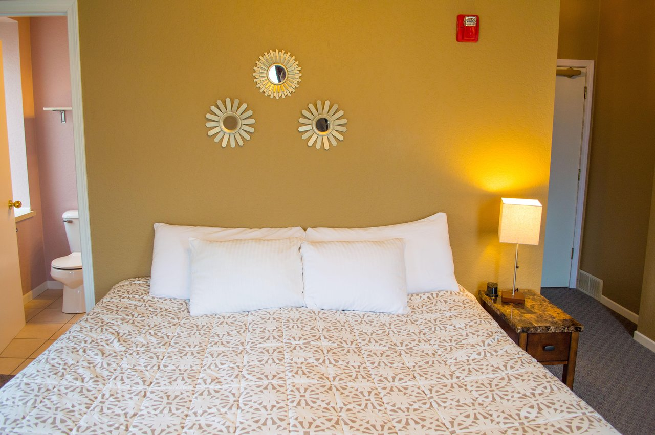 truly the 10 best hotels in decorah ia for 2019 from 64 rh tripadvisor com