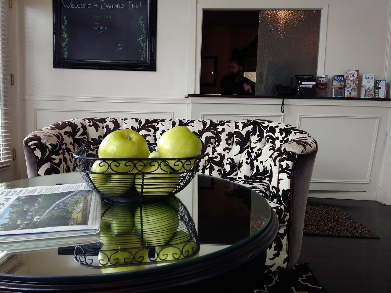 ballard inn $110 ($̶1̶5̶9̶) - prices & hotel reviews - seattle, wa