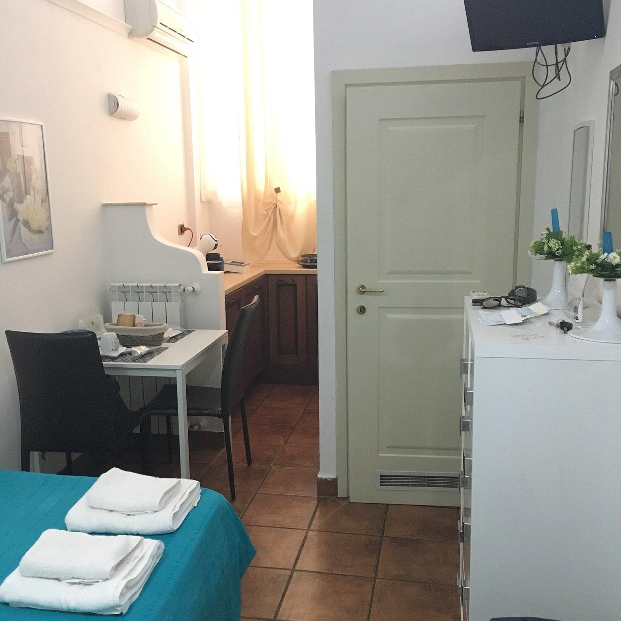 Camere Da Letto Taranto da noi due $33 ($̶4̶4̶) - prices & b&b reviews - taranto