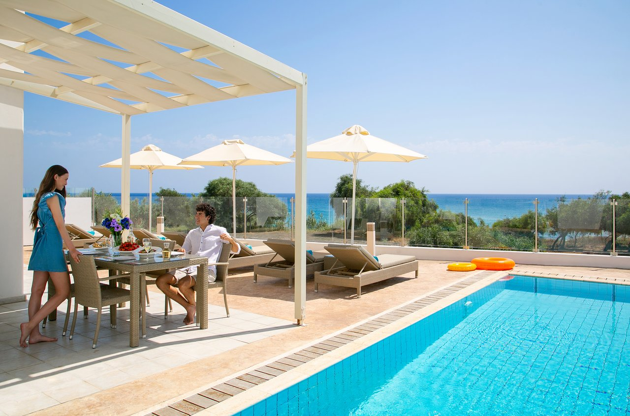 Best hotels in Protaras: interesting podcasts