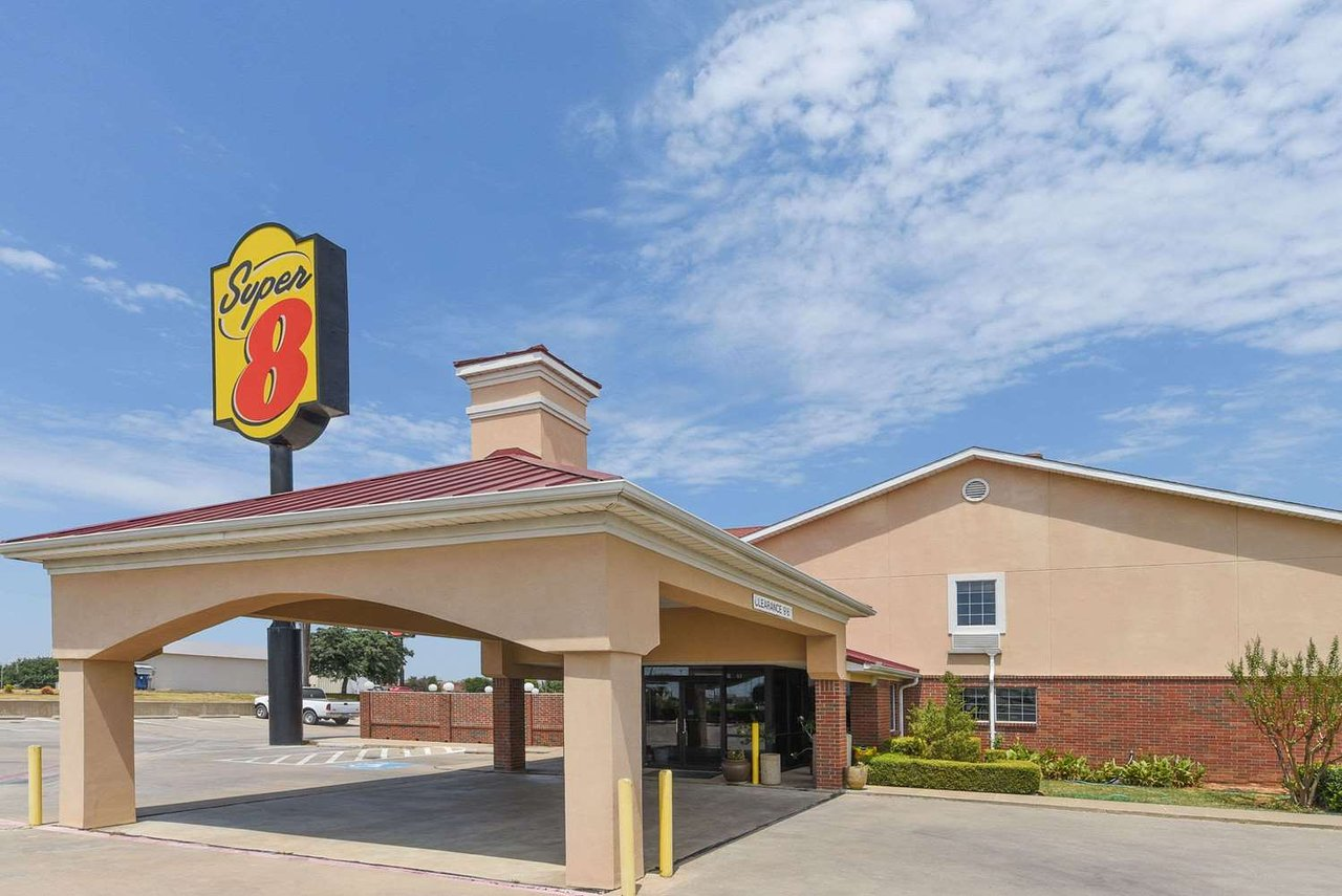 Super 8 By Wyndham Burleson Fort Worth Area 72 7 Updated 2018 Prices Motel Reviews Tx Tripadvisor